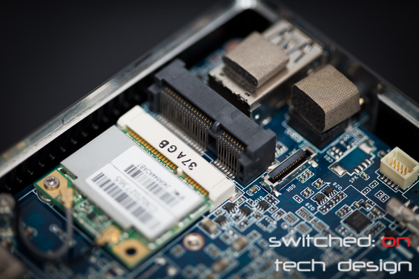 gigabyte-brix-haswell-i5-4200-small-form-factor-small-hdd-connector